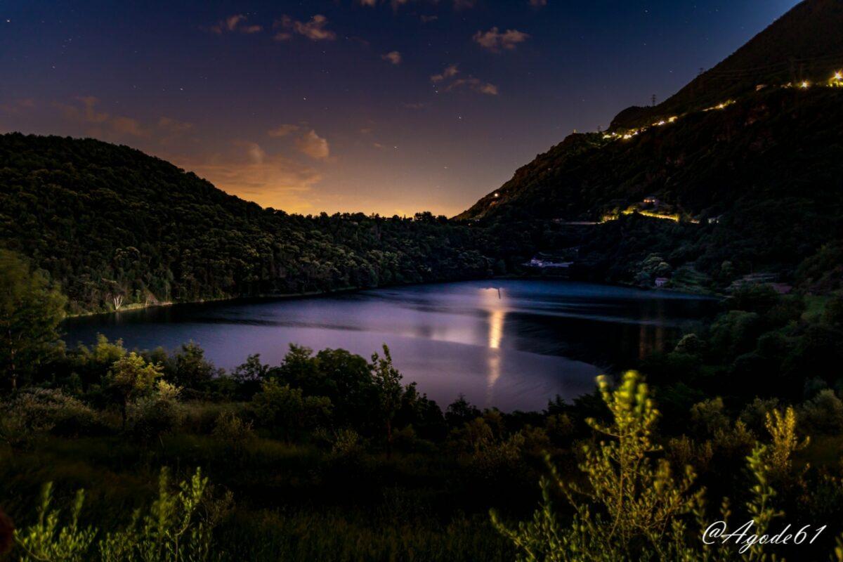 Notte di luna al lago Moro